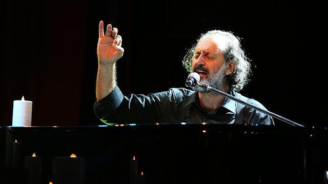 Müzisyen Yücel Arzen'den