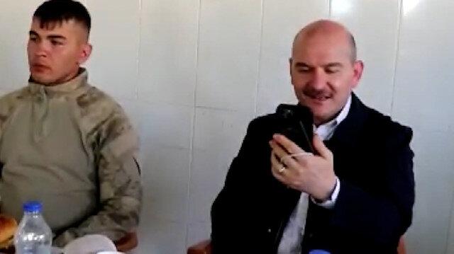 Bakan Soylu Siirt'te askerlerle bayram kahvaltısı yaptı: Afrin'deki Emniyet Genel Müdürü ile görüntülü görüştü