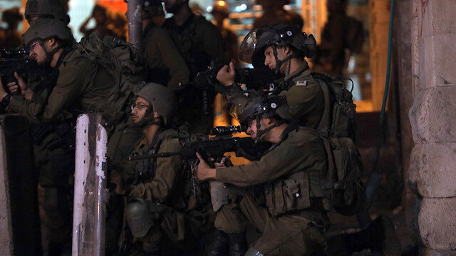 İşgalci İsrail'in Gazze'ye yönelik saldırıları Batı Şeria'da protesto edildi