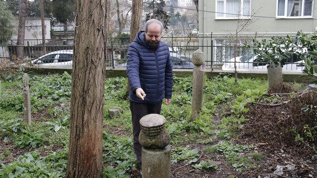 İstanbul'un ilk müslüman mezarlığında tarihi taşlar çalınıyor