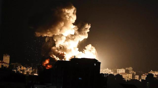 İsrail savaş uçakları Gazze'nin kuzeyini bombalıyor