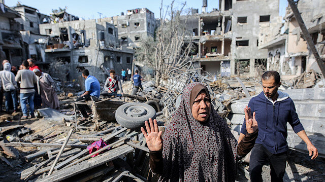 Filistinli ailelerin evleri bombalarla yerle bir oldu: İsrail terörünün yıkımı gün ağarınca ortaya çıktı