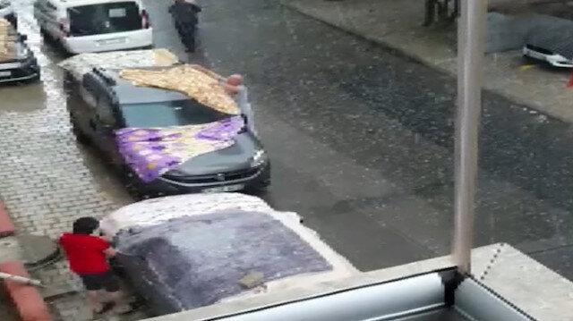 Vatandaşlar Anadolu Yakası'nda doluya karşı halılı battaniyeli önlem aldı