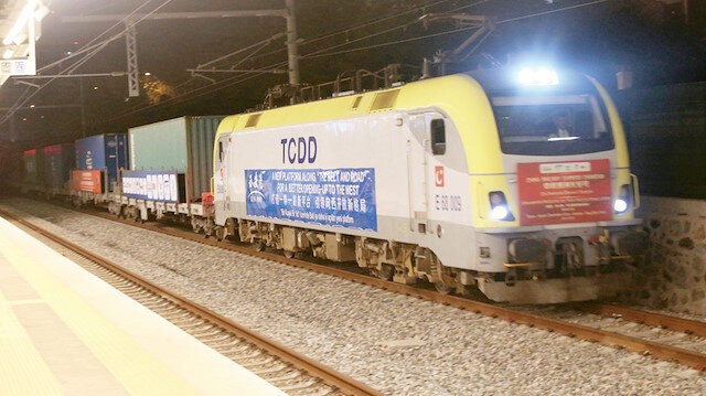 Marmaray'dan 875 trenle 370 bin ton yük geçti: Ticaretin kalbi oldu
