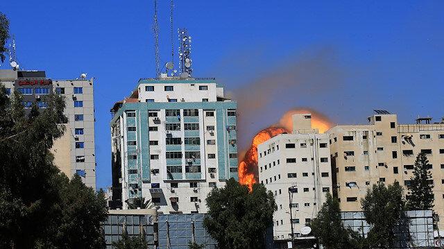 İşgalci Tel Aviv yönetimi basına da savaş açtı: Katliamları duyuranları susturmaya çalışıyor