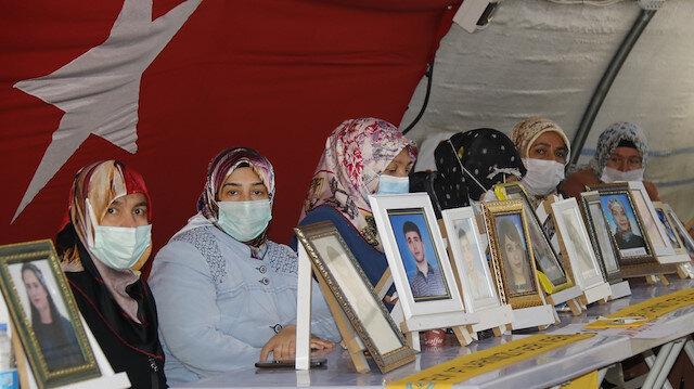 Ailelerin HDP önündeki evlat nöbeti kısıtlama sonrası devam ediyor