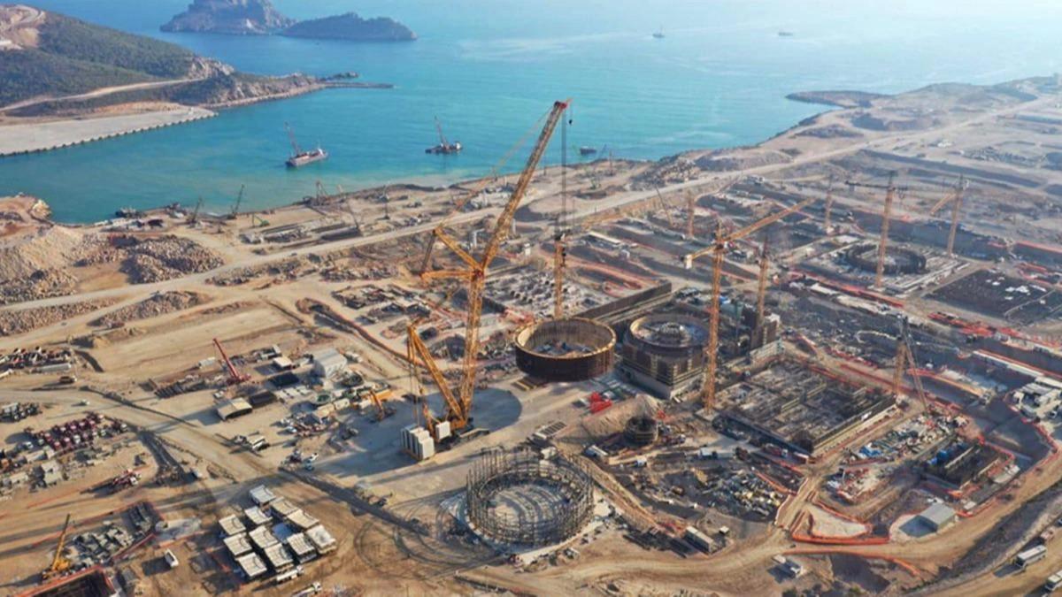 Akkuyu NGS projesi, sahada inşaat çalışmaları yapan ve yüzde 80'ini Türklerin oluşturduğu 8 bin kişi ile ülkenin en büyük istihdam projesine dönüştü.