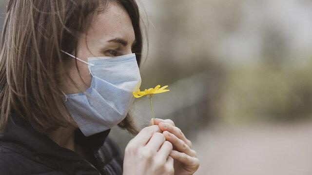 Koronavirüs sebebiyle kaybedilen koku duyusu geri gelebilir mi?