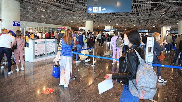 Rusya Türkiye'ye uçuşları en erken 15 Haziran'da açacak