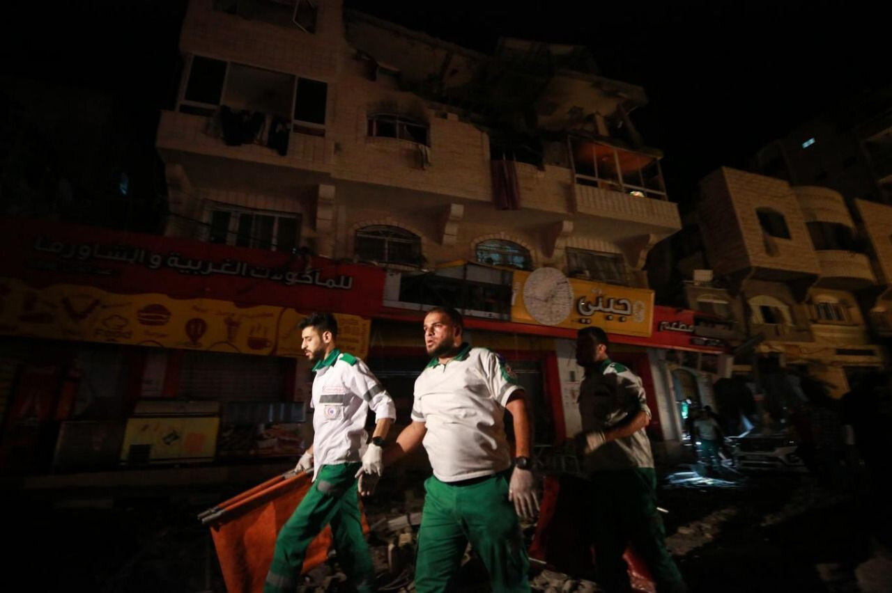 İşgalci İsrail sağlık çalışanları ve sağlık tesislerine de saldırılar düzenliyor.