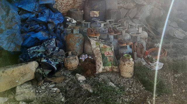 Van'da PKK'lı teröristlerin inleri imha edildi