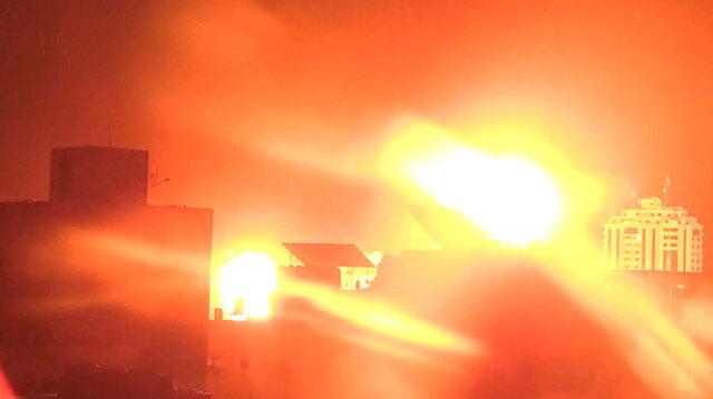 İşgalci İsrail gece yarsısından sonra Gazze'de altyapı sistemlerini vurdu