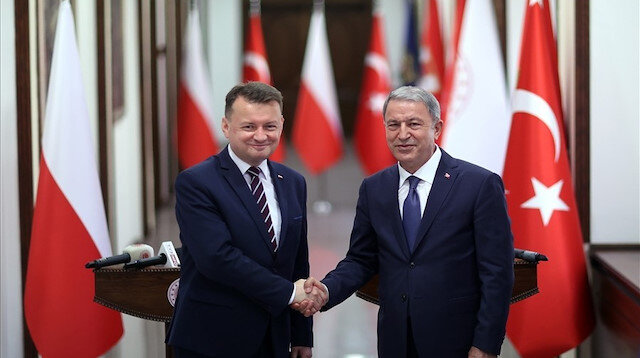 Polonya Savunma Bakanı Blaszczak: SİHA'ların savunma sistemimize katkısı büyük olacak
