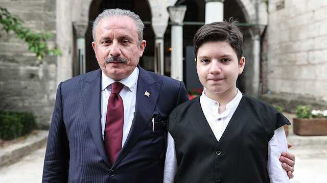 TBMM Başkanı Şentop'un oğlu Ömer Asım 20 ayda hafız oldu