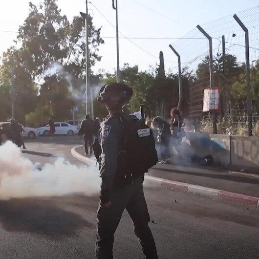 İşgalci İsrail güçleri Şeyh Cerrah Mahallesinde Filistinlilere saldırdı