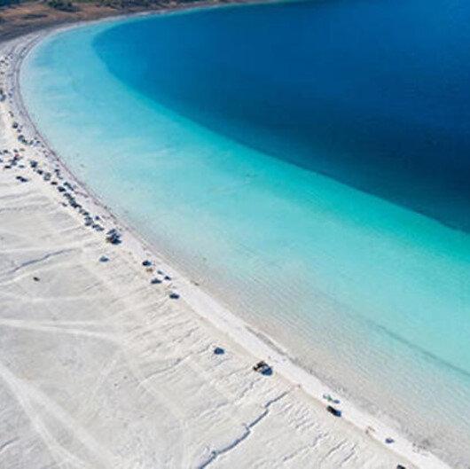 Vali Arslantaş'tan 'Salda Gölü' açıklaması: Sarımtırak görüntünün sebebi polenler