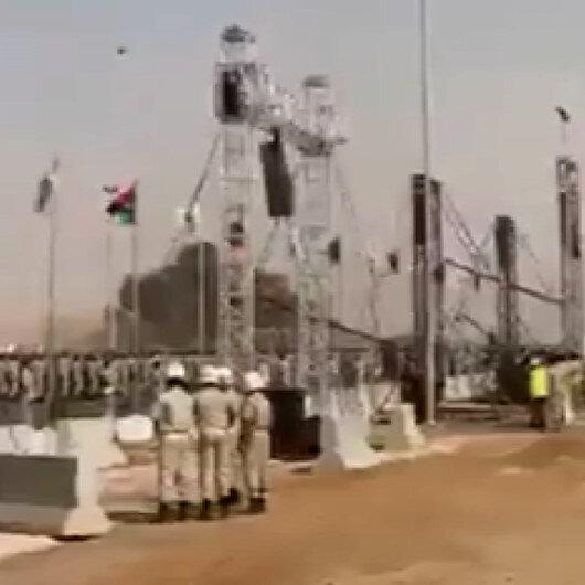 Libyadaki askeri törende darbeci Haftere ait uçak düştü: Pilot hayatını kaybetti