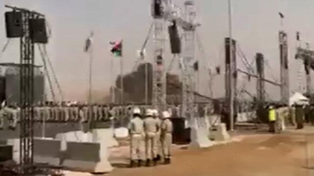 Libya'daki askeri törende darbeci Hafter'e ait uçak düştü: Pilot hayatını kaybetti