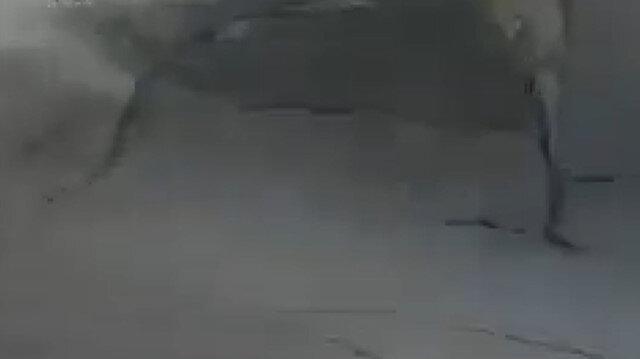 İşgalci İsrail'in Gazze saldırılarına ait yeni görüntüler: Ana cadde yarıldı