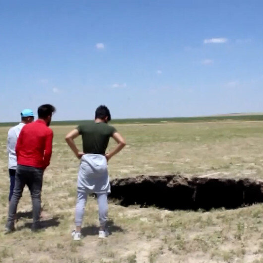 Konyada korkutan obruk: 3 metre çapında 65 metre derinliğinde