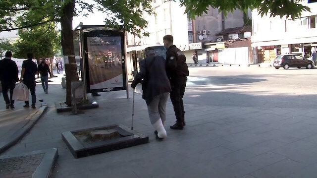 Arnavutköy'de alışverişe çıkan yaşlı adamın yardımına gece kartalları koştu