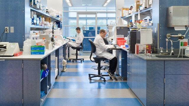 Yeni araştırma: Hindistan mutasyonu koronavirüs aşılarına ve antikor ilaçlarına direnç gösteriyor