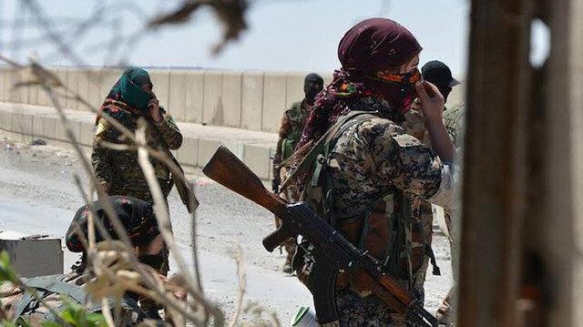 YPG/PKK'lı teröristler Münbiç'te zorla silah altına alma uygulamasını protesto eden halka ateş açtı