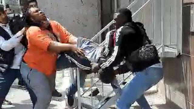 Esenyurt'ta Afrikalı çift ile hırsızlık şüphelileri arasında tekme tokat kavga