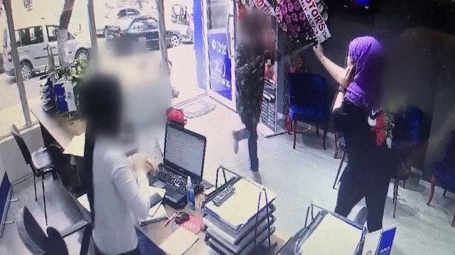 Bıçaklı saldırıya uğrayan kadının kullandığı biber gazı hayatını kurtardı