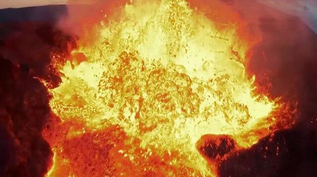 İzlanda'da yanardağı görüntüleyen dron lavların içine düştü