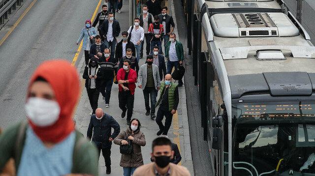 Sağlık Bakanı ilk kez tarih verdi: Maske takma zorunluluğu ne zaman kalkacak?