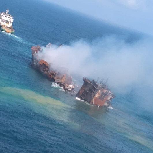Sri Lanka'da günlerdir yanan konteyner gemisi batıyor