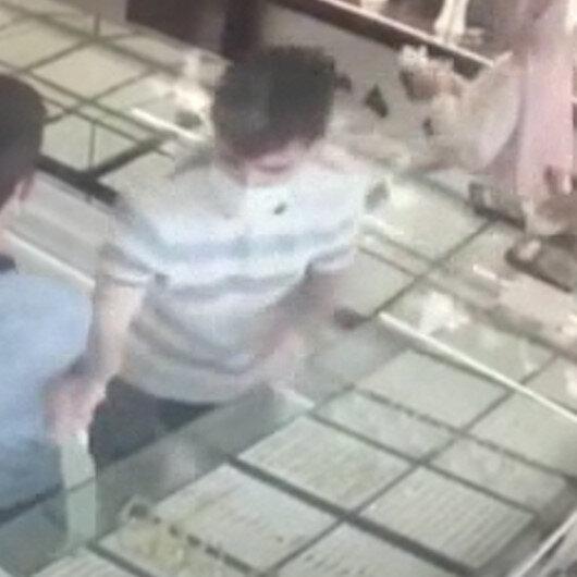 Antalyada kuyumcudan 40 bin liralık altın hırsızlığı kamerada