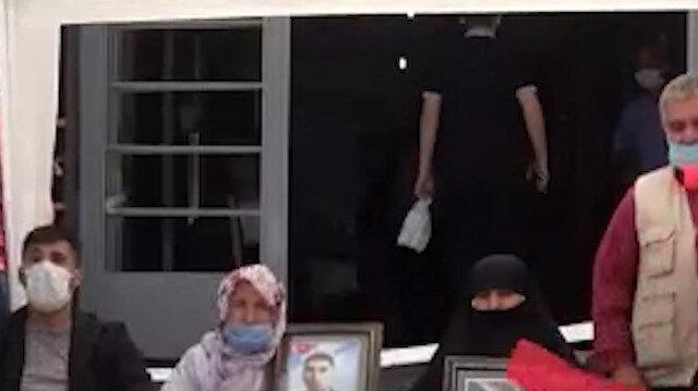 Muş'ta ailelerin HDP önündeki evlat nöbeti 7. haftasında devam ediyor
