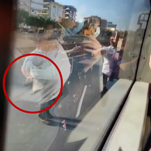 Paspaslı saldırıya uğrayan otobüs şoförüne işimize geç kalıyoruz tepkisi