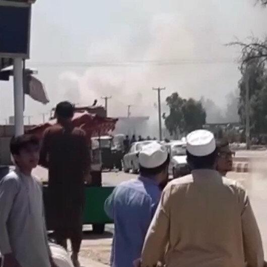 Afganistanda emniyet aracına bombalı saldırı: 2 sivil hayatını kaybetti