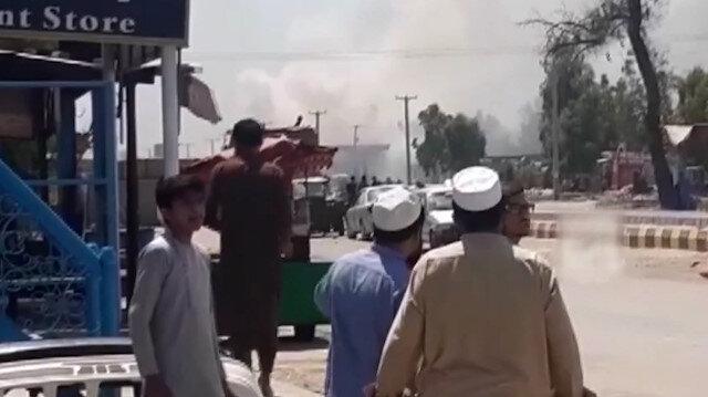 Afganistan'da emniyet aracına bombalı saldırı: 2 sivil hayatını kaybetti