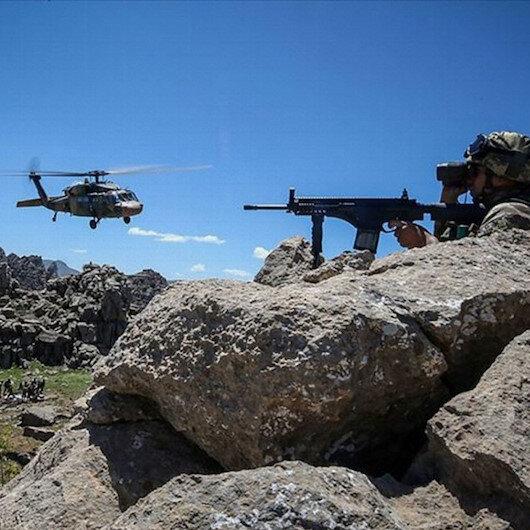 Bitlis'te çatışma: Bir asker ile bir güvenlik korucusu şehit oldu