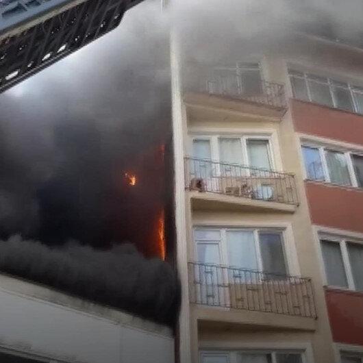 Beyoğlunda halı fabrikasında çıkan yangın yanında bulunan 6 katlı binaya sıçradı