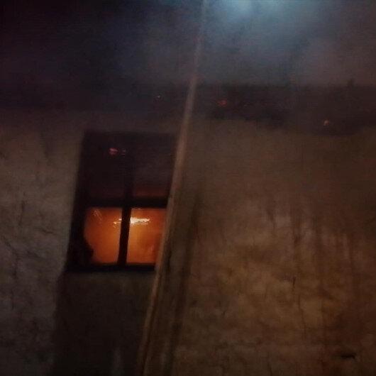 Sobayı benzinle yakmak isterken 2 katlı ahşap evi yandı