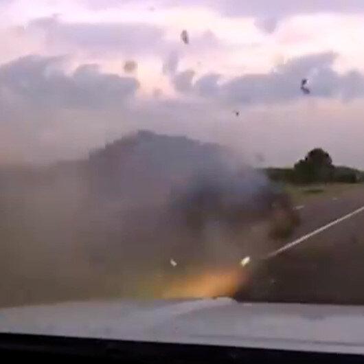 Aşırı hız yapan alkollü sürücü devriye aracına çarparak takla attı