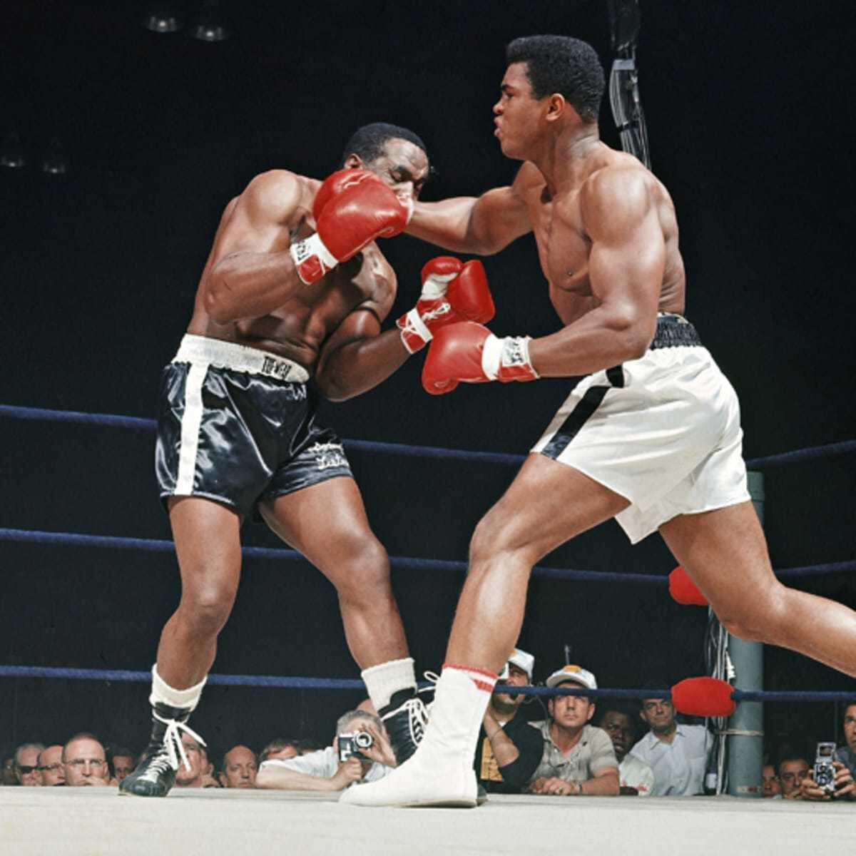 Muhammed Ali hızıyla rakiplerine ringi dar ediyordu.