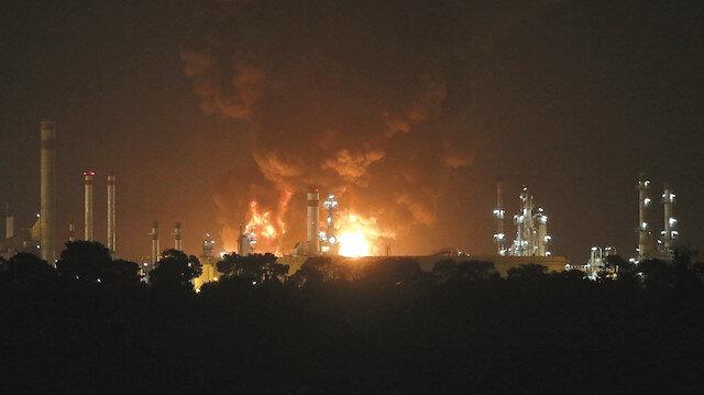 İran'da önce gemi sonra rafineri yandı