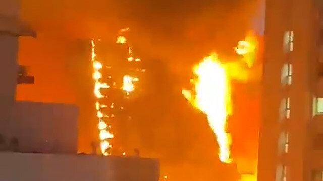 Kuveyt'te alevlere teslim olan bina paniğe neden oldu