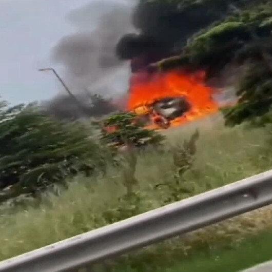 Silivride alev alev yanan otomobil hurdaya döndü
