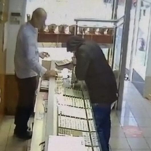 Sultanbeylide kuyumcuda biber gazlı hırsızlık kamerada