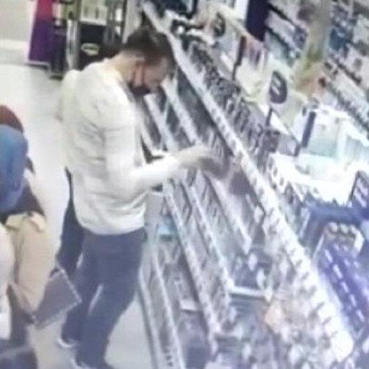 Çekmeköyde kozmetik mağazasından hırsızlık kamerada