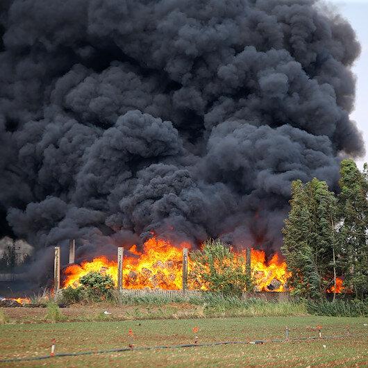 Adanada plastik fabrikasında korkutan yangın: Dumanlar gökyüzünü kapladı