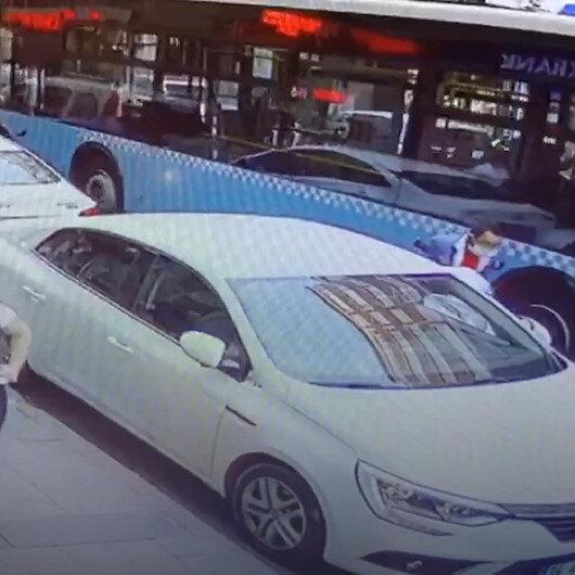 Şişlide güpegündüz yaşanan motosiklet hırsızlığı kamerada