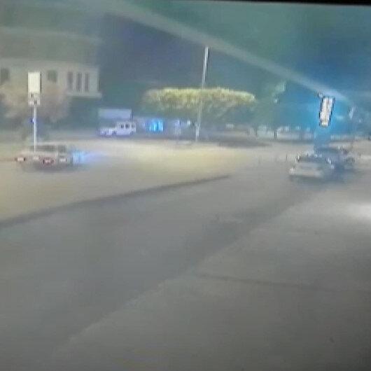 Drift atmaya çalışan sürücü önce 2 araca sonra müze duvarına çarptı